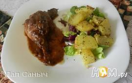 Утка под соусом из чернослива с картофелем