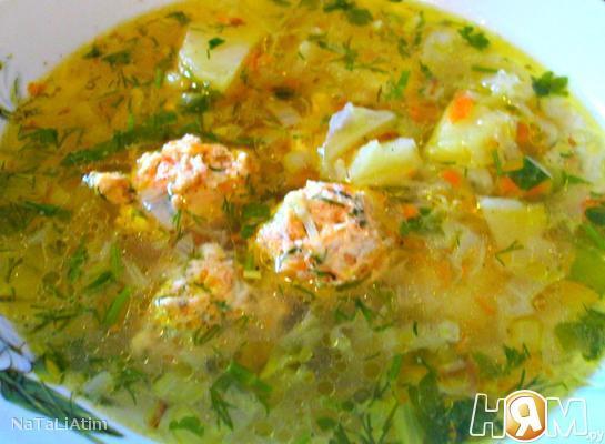 Суп с молодой капустой и куриными тефтельками