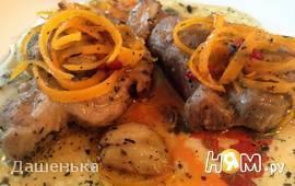 Свинина  в цитрусовой карамели с чесноком