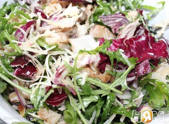 Салат с вешенками