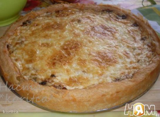 Пирог из картофельного теста с мясом и грибами