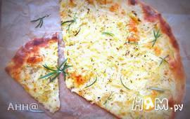 Пицца с картофелем и пряными травками