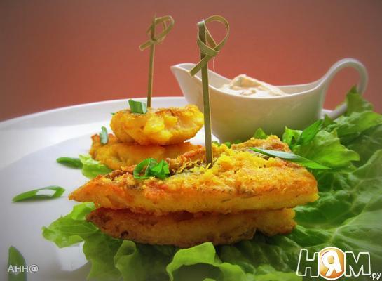 Рыба в пармезановой корочке с пикантным соусом