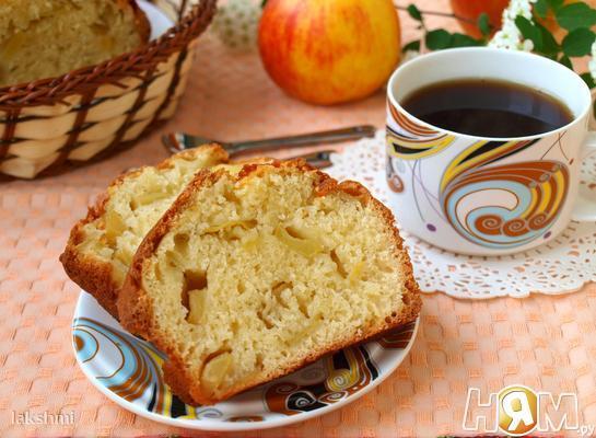 Рецепт Манник на кефире с яблоками
