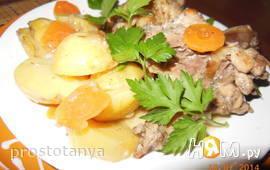 Курица с молодым картофелем и рассолом