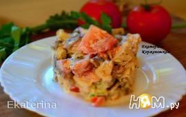 Салат с запеченной курицей и грибами