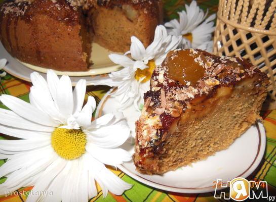 Маковый пирог с карамельными яблоками