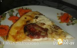 Пицца с вялеными помидорками и сливочным сыром