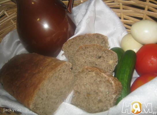 Домашний хлеб с отрубями и семенами подсолнечника.