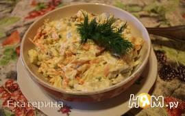 Салат с овощами и творогом
