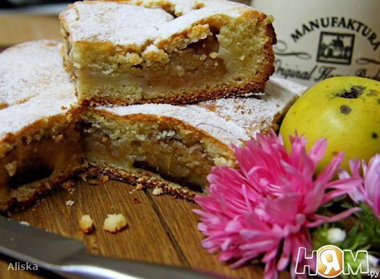 Рецепт Сочный пирог с яблоками