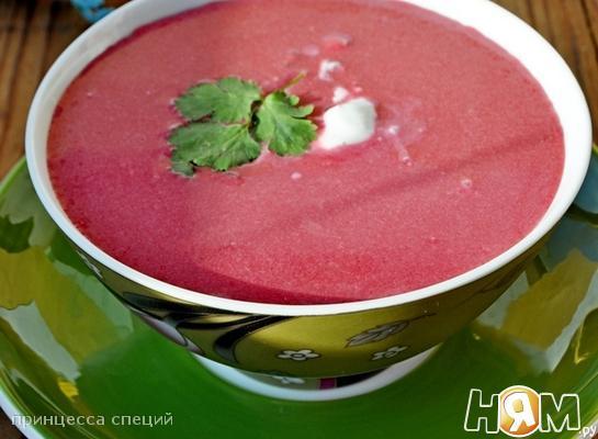 Холодный кокосовый суп со свеклой