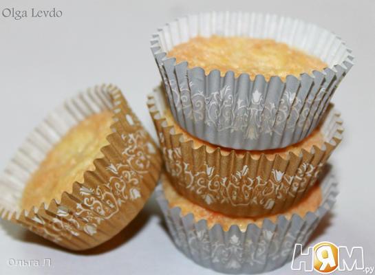 Кокосово - сырные  пирожные
