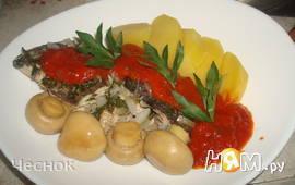 Камбала в белом вине с томатным соусом