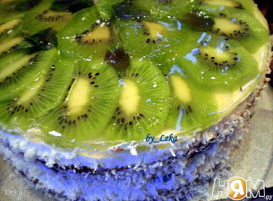 Рецепт Бисквитный торт с мятой и киви