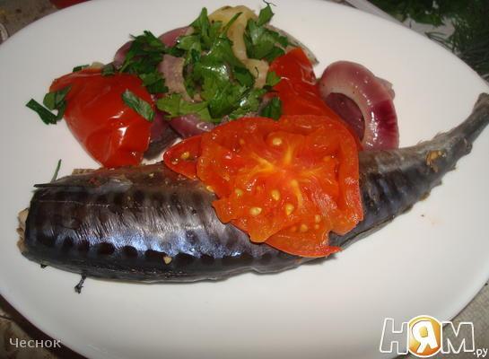 Скумбрия запеченная с овощами