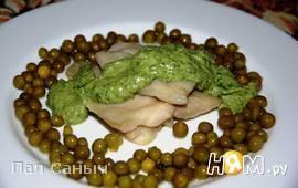 Пангасиус-гриль с песто из авокадо