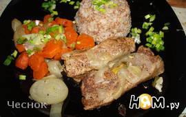 Тушеные свиные ребрышки с морковкой