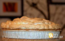 Овсяный пирог с вишней и безе