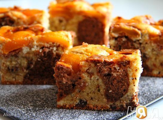Мраморный пирог с абрикосами