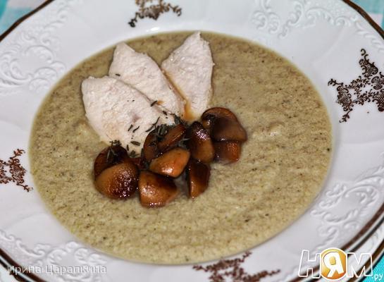 Рецепт Крем суп из курицы и кабачков с грибами
