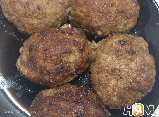 Рецепт Котлеты из говядины и тертой картошки