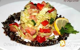 Салат с кетой, красным перцем и пекинской капустой