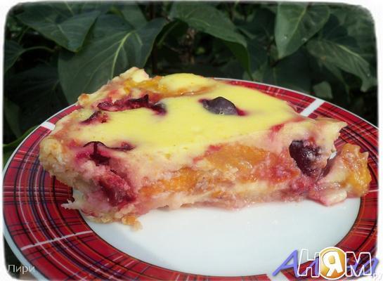 Рецепт Песочный пирог с ягодами и сметанной заливкой