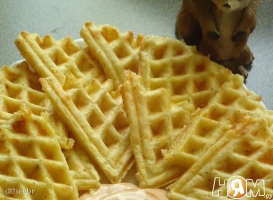 Кабачково-сырные оладушки в вафельнице