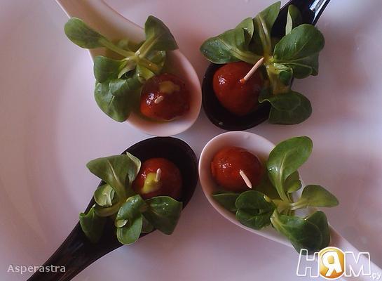Салат капрезе в молекулярном варианте