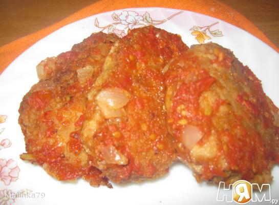 Котлетки из судака, томленые в томатном соусе