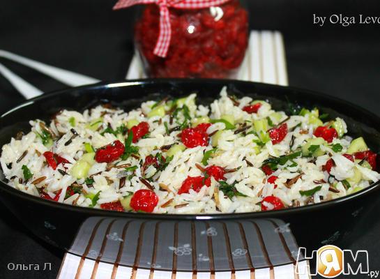 Рецепт Салат с рисом и вяленой вишней