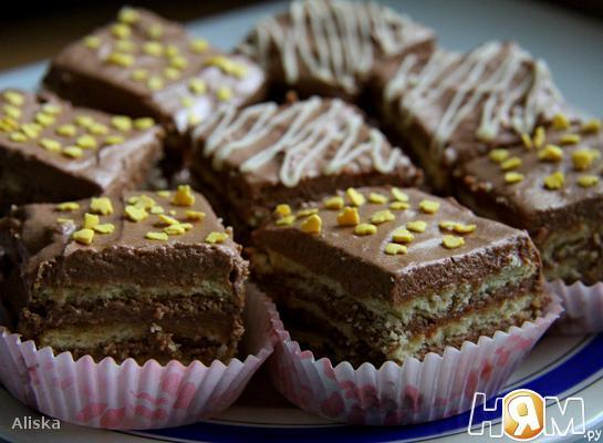 Торт из печенья с шоколадным кремом