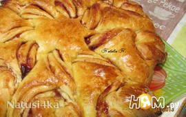 Пирог-цветок с джемом