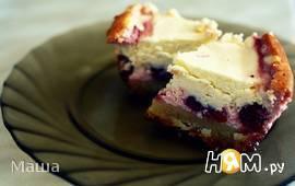 Пирог с вишней под творожным кремом