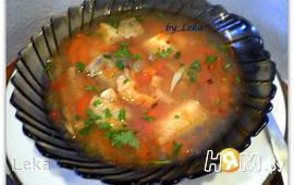 Рыбный суп с вином и томатами