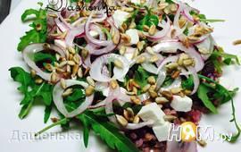 Салат из гречки со свеклой и брынзой