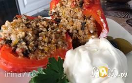 Перец, фаршированный булгуром и овощами
