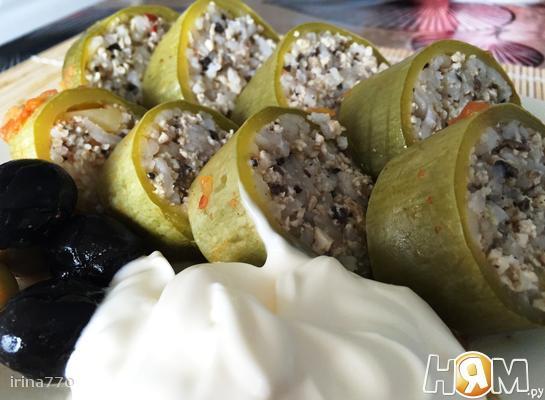 Рецепт Кабачки, фаршированные куринным фаршем и грибами