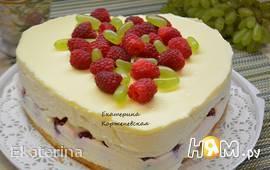 Творожно-малиновый торт с белым шоколадом