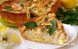 Яблочный пирог с луком и голубым сыром