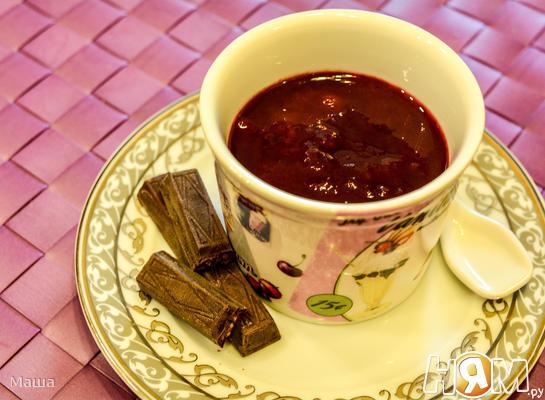 Сливовое варенье в шоколаде с орехами и пряностями