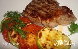 Рибай стейк с овощами гриль
