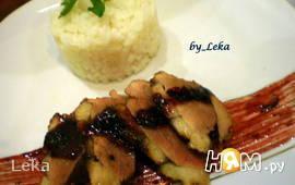Утка в маринаде с чили и брусничным соусом