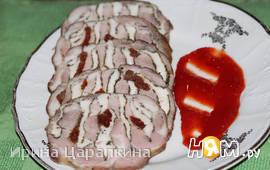 Свинина фаршированная курицей и вялеными томатами