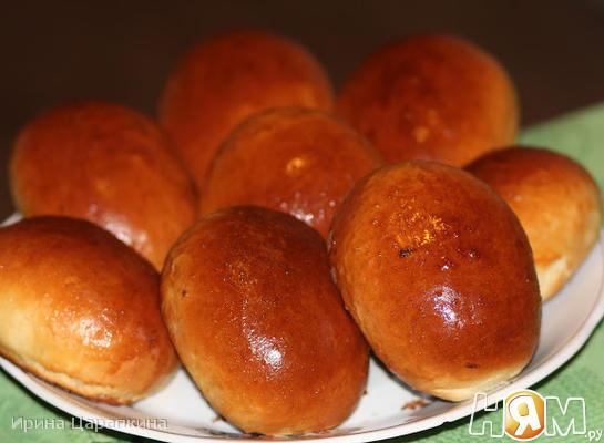 Пирожки с квашеной капустой и белыми грибами