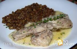 Кролик в сливочно-чесночном соусе с чечевицей