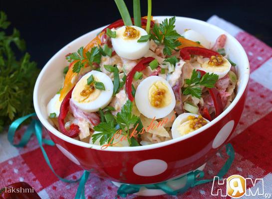 Салат с хурмой и савойской капустой