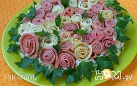"""Салат """"Цветочная поляна"""" с блинами"""