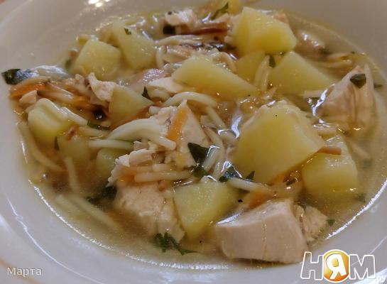 Суп куриный с жареной вермишелью